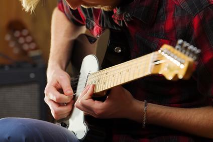 Des cordes de guitare électrique qui durent et pas cher à l'achat